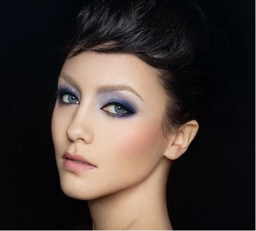 Elegantes schönes Make-Up fürSchwangere Bräute