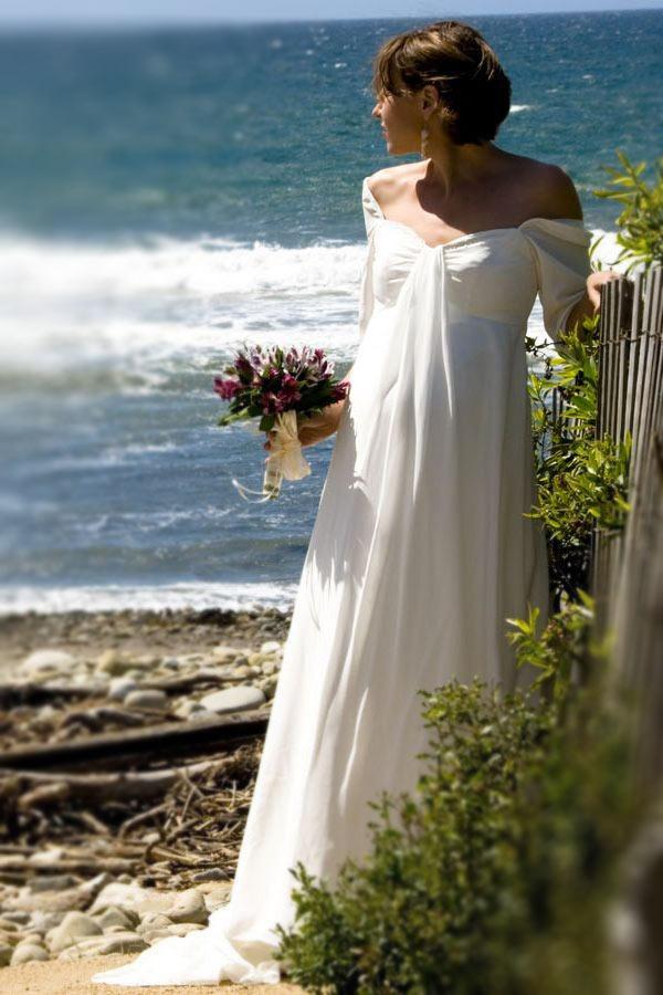 Hochzeitskleid für die Hochzeit auf dem Strand